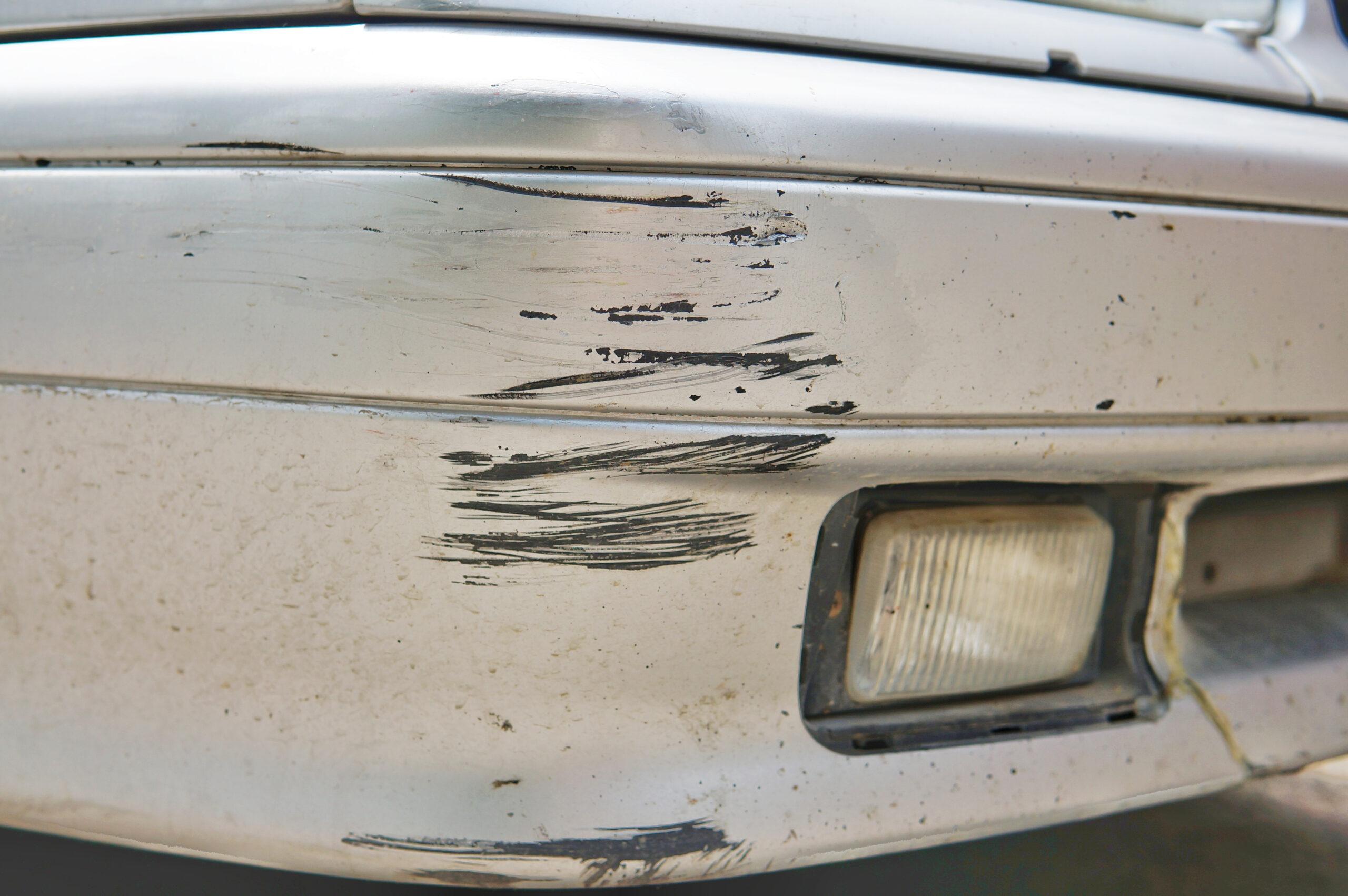 Suzuki Bumper Scratch